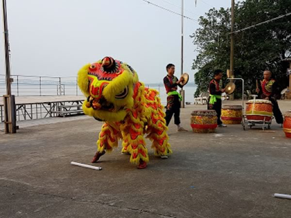 Lucy Allison on Vietnam's Red River and Halong Bay river cruise 1