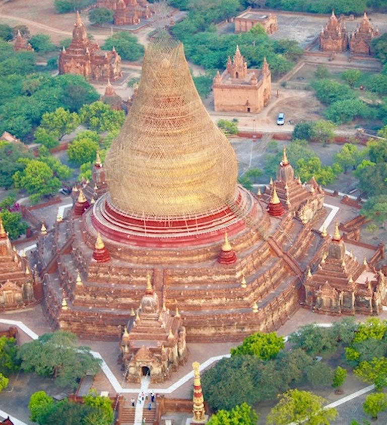 Stupas and pagoda's in Bagan