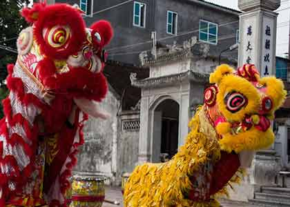 Lion-ised in Hanoi: Pandaw passengers get the warmest of Vietnamese welcomes