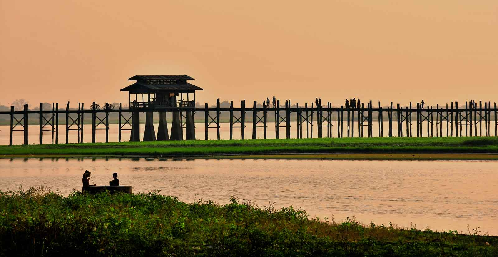 Pandaw U Bein Bridge at sunset 3