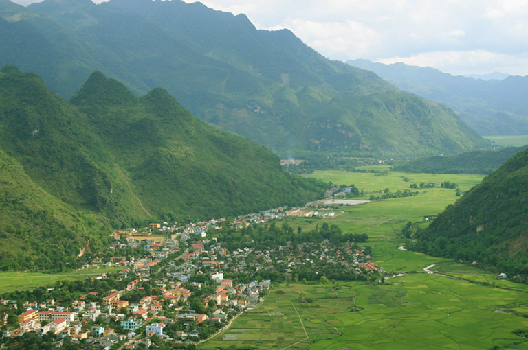 Mai Chau River Cruises