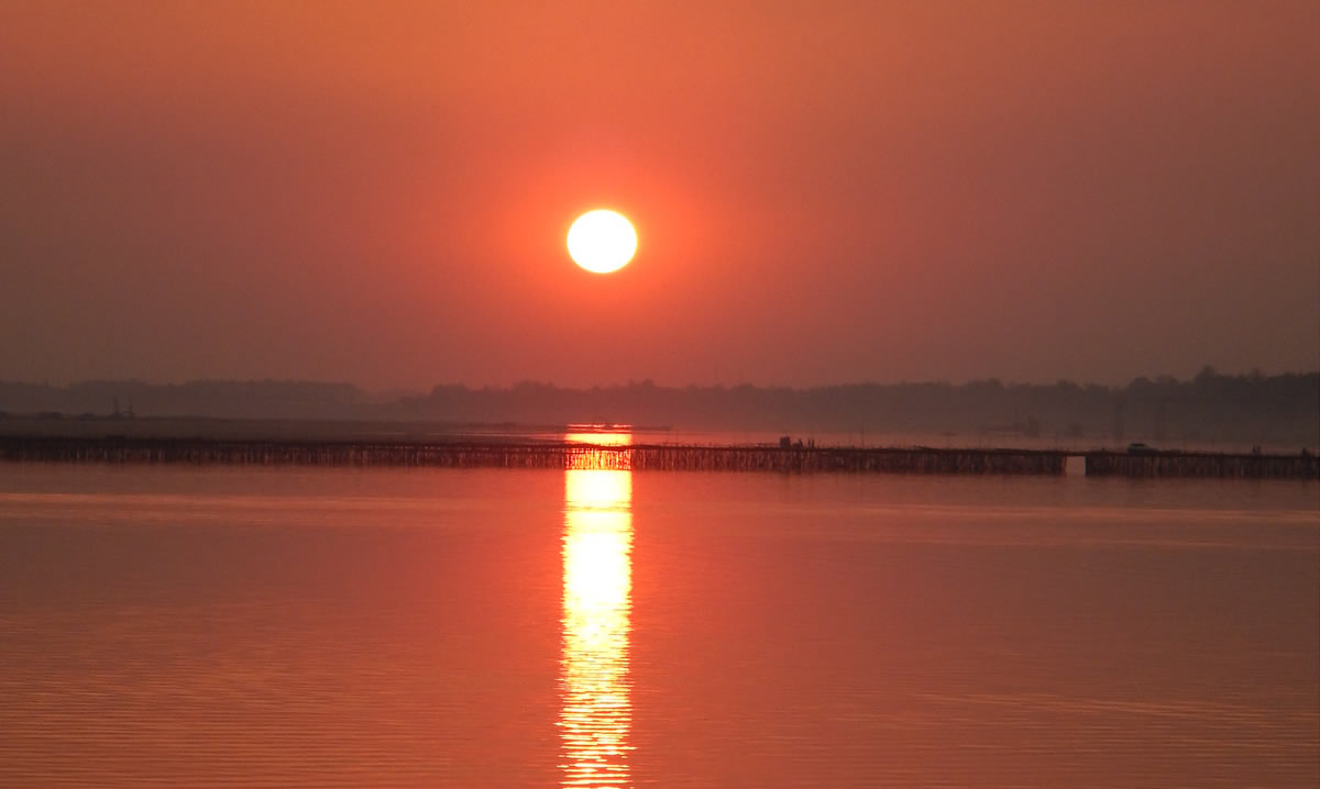 Sunset over the Koh Pen Bamboo bridge